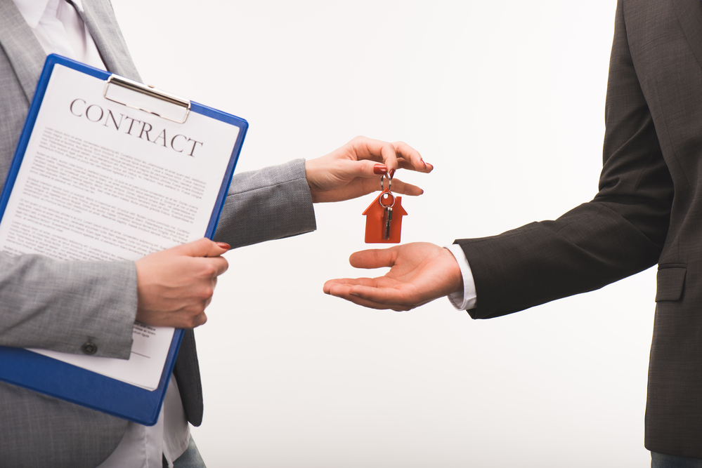 The Benefits of Selling Real Estate
